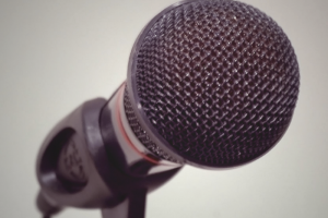 microphone-700x500